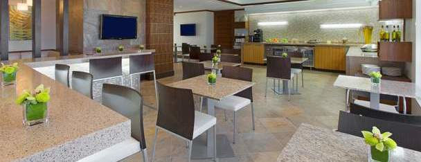 Royal Beach Club Club lounge with continental breakfast